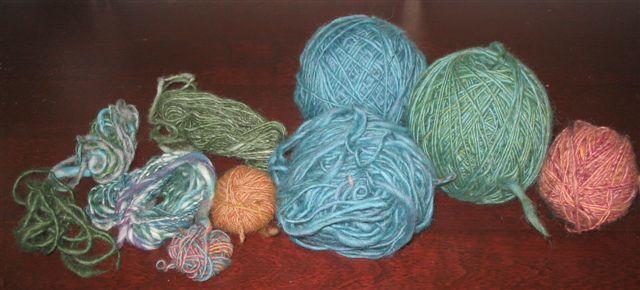 Petits échevaux et balles de laine - Small skeins and balls of yarn